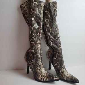 🧣🧤Steve Madden Green Snake high Heel Boots 8🧣🧤